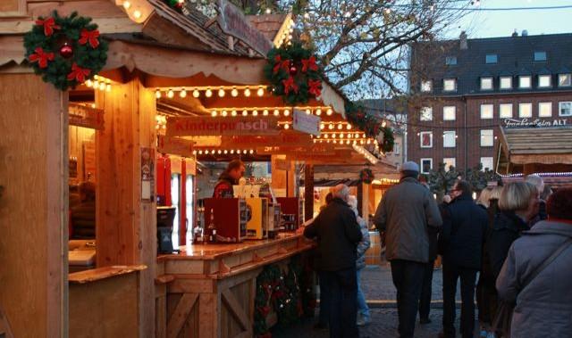 Dusseldorf-kerstmarkt-marktplatz